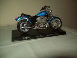 """Harley Davidson (1997 XLH Sportster 1200) """"Maisto""""  Scala 1/18 - Moto"""