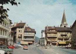 MONTHEY : Place Du Marché (animée, Voitures, Boutiques, ...) - VS Valais