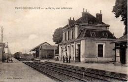 14 VANDOEUVRE-JORT  La Gare Vue Intérieure - Autres Communes