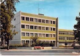 91 - CORBEIL ESSONNES : Le C.E.S. ( Ecole Lycée Collège ...) CPSM CPM GF Postée 1988 - Essonne - Corbeil Essonnes