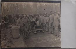 Carte Photo Soldats Français Artilleur Devant Canon En Campagne / 14-18 / WW1 / POILU - 1914-18