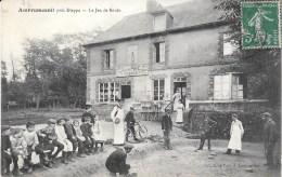 76 - AMBRUMESNIL (près Dieppe) - Le Jeu De Boule - Animation - Café Tabac Léon PATE - Circulé - Autres Communes