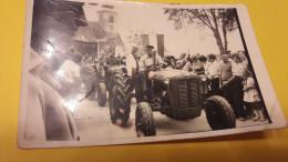 Postcard - Tractor      (23142) - Camión & Camioneta