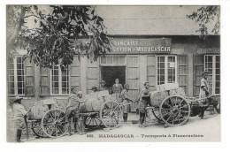 MADAGASCAR  /  TRANSPORTS  À  FIANARANTSOA  /  Edit.  MESSAGERIES  MARITIMES  N° 885  ( Cpa Précurseur ) - Madagascar