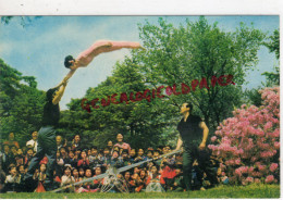 COREE DU NORD- LE CIRQUE DE PYONGYANG - ACROBATIE SUR BALANCOIRE - Korea, North
