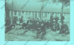 Militaria-Carte Photo - Groupe De Soldats Au Moment Du Repas - Personaggi