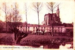 44 / BASSE INDRE: LA MAISON DES ANGLAIS ET L'EGLISE - Basse-Indre