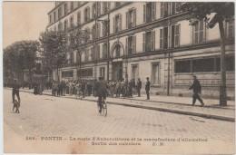 PANTIN (93) - LA ROUTE D'AUBERVILLIERS ET LA MANUFACTURE D'ALLUMETTES - SORTIE DES OUVRIERS - Pantin