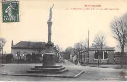 03 - VARENNES SUR ALLIER : Statue De La République - CPA - Allier - Autres Communes