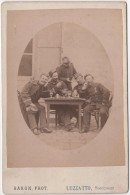Photo Originale De Cabinet XIXème Militaria Officiers 110 ème Infanterie Apéritif Jeu Cartes Baron Luzzatto Dunkerque - Ancianas (antes De 1900)