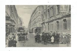 Reproduction De Cpa , école , TOUT PARIS , Rue SAINT MAUR , Sortie Des écoles - Schools