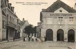 CPA - BOURBOURG (59) - Aspect De L'Hôtel Des Sapeurs-Pompiers à L'entrée De La Rue De Dunkerque En 1917 - France