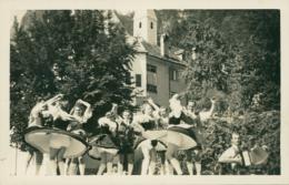 AT TYROL DIVERS / Des Femmes En Train De Danser / - Sonstige