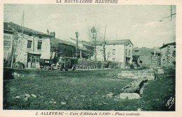ALLEYRAC  Place Centrale Vieux Camion - Francia