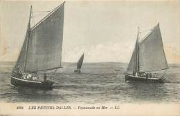 "CPA FRANCE 76 ""Les Petites Dalles, Promenade En Mer"" - France"