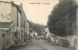 St-Pierre-le-Vieux - Canton De Tramayes Rue Principale - Saône-et-Loire 71520 - Cpa Ecrite Au Dos En 1916 - Otros Municipios