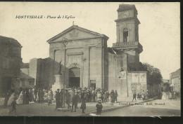 FONTVIEILLE PLACE DE L EGLISE TRES BON ETAT - Fontvieille