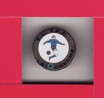 PIN´S -  FOOTBALL - CLUB -- FC . TFE -- LA CRECHE ( Dép 79 ) - Football