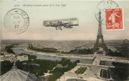 CARTE POSTALE : PARIS VII . AEROPLANE EVOLUANT AUTOUR DE LA TOUR EIFFEL . CACHET 1 ER ETAGE . - Arrondissement: 07