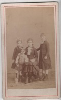 CDV Photo Originale XIX ème 4 Soeurs Par Bussi Cannes Cdv930 - Ancianas (antes De 1900)
