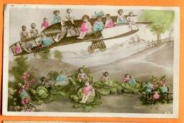 CAL1146, Bébés Assis Sur Un Avion, Plane, Choux,  Circulée 1910 - Babies