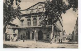 - FRANCE (13) - CPA Vierge ARLES - Le Théâtre Municipal (avec Personnages) - Photo Guende 878 - - Arles