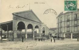 42 - BOËN  - La Halle - Francia