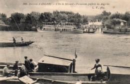 Béhuard.. Ile De Béhuard.. Animée Batellerie Navigation Loire Barque De Loire Péniche Gabare - Autres Communes