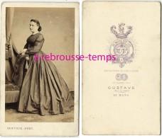 CDV Vers 1860-femme- Mode Second Empire-photo Gustave -Le Mans - Photos