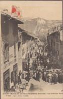 73-SAINT-MICHEL-DE-MAURIENNE-La Grande Rue Un Jour De Défilé... Animé  Café COMPTOIR LYONNAIS... - Saint Michel De Maurienne