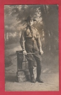 Scout ... Adulte Chez Le Photographe - Carte Photo ( Voir Verso ) - Scoutisme