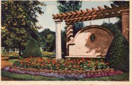 65Smm   Luxembourg Esch Sur Alzette Monument Michel Welter (pas Courante) - Esch-Alzette