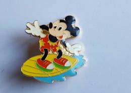Broche Walt Disney Très Belle Voir Photo - Organisations