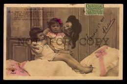VICTORIAN CHILDREN GIRL & MOTHER LOVE  C1900-1910s Photo Postcard - Otros Temas