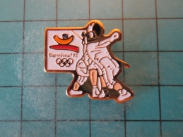 PIN1415b Pin´s Pins /      SPORT : ESCRIME BARCELONE JEUX OLYMPIQUES 1992   INSCRIPTION AU DOS ,  Voir Photo N°2 -  - - Olympische Spelen