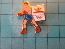 PIN1415b Pin´s Pins /      SPORT : BOXE MASCULINE BARCELONE JEUX OLYMPIQUES 1992   INSCRIPTION AU DOS ,  Voir Photo N°2 - Giochi Olimpici