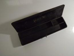 Ancien Plumier A Compartiments En Carton Bouilli Laqué Noir - Other Collections