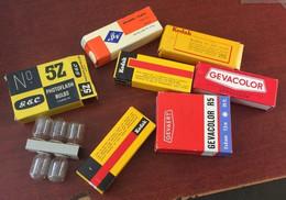 Lot De Bobines Anciennes Avec Ampoules - Photographie