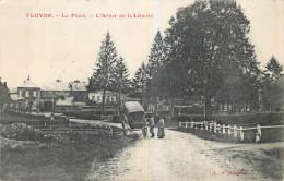 59 - NORD - Floyon - Place - Arbre De La Liberté - Autres Communes