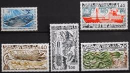 TAAF 1977 -  Les N° 64/ 67 Et Du N° 68 Au N° 70  - 5 Timbres NEUFS** - Parfait Etat - - Unused Stamps