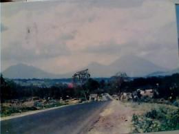 RWANDA PAYASE DE VOLCANOS  VEDUTA STRADA PER I VULCANI    V1985   FN3449 - Rwanda