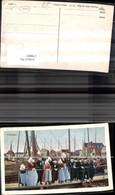 179007,Niederlande Volendam Ansicht Hafen Personen I. Tracht Typen - Postcards