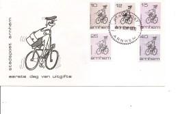 Poste -Facteur à Vélo -Postes Locales ( FDC Privé Des Pays-Bas De 1970 De Arnhem à Voir) - Post