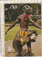 PO5928D# AFRICA - TANZANIA UGANDA KENYA - UOMINI INDIGENI COSTUMI TIPICI - DANZATORI  VG - Tanzania
