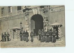 MONACO - Garde D' Honneur Du Prince Devant Le Palais - 2 Scans - Non Classés