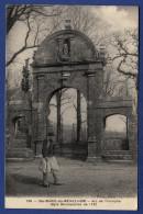 29 PLOMODIERN Arc De Triomphe De Sainte-Marie Du Ménez-Hom  - Animée - Plomodiern