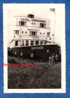 Photo Ancienne Snapshot - COXYDE BAINS , Belgique - Hôtel Normandie Paquebot Bateau Publicité Biere Maes Pils Koksijde - Boats
