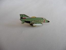 Pin's :Avion De Chasse - Avions