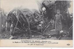 CATASTROPHE DE MELUN 4 Novembre 1913 - Le Rapide N°  2 Tamponne Le Train-Poste N° 11 - Les Effets Du Tamponnement - Melun