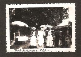 Petite Photo  De MONTFORT SUR MEU / Kermesse En 1938 - Autres Communes